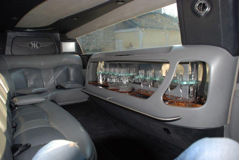 Chrysler 300C limo 5