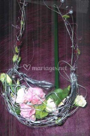 Lit de fleurs en fil de fer