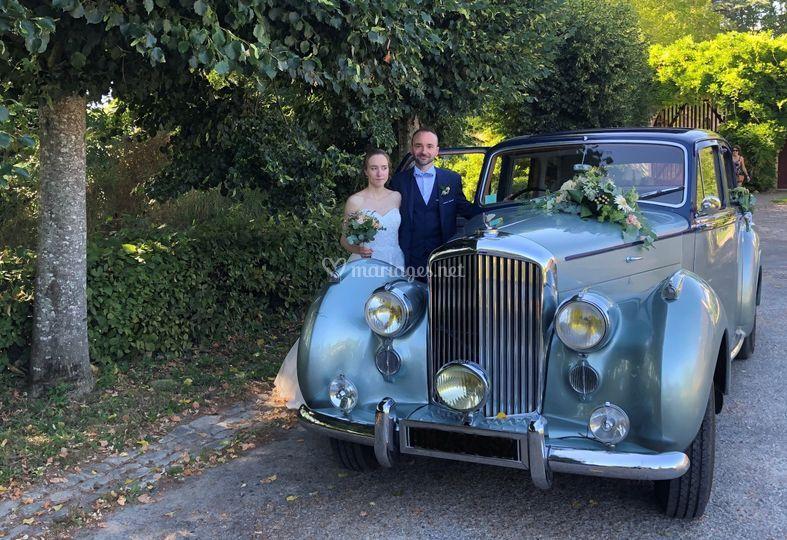 Eloïse et Clément en Bentley