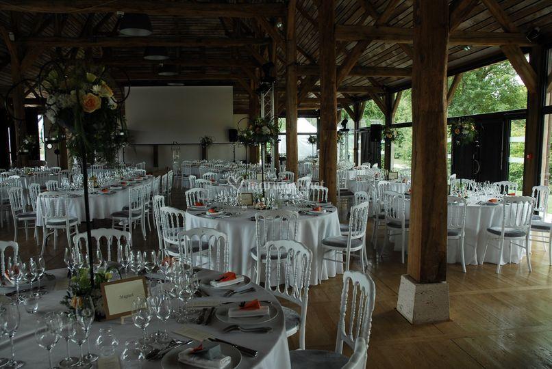 mariage 1 sur grande halle de chamerolles - Chateau De Chamerolles Mariage