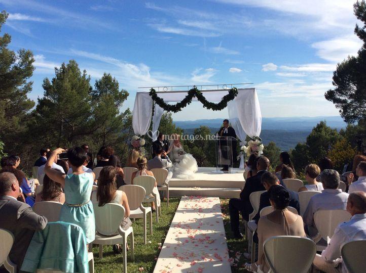 mariage dans le parc sur la bastide de tourtour - Bastide Mariage Var