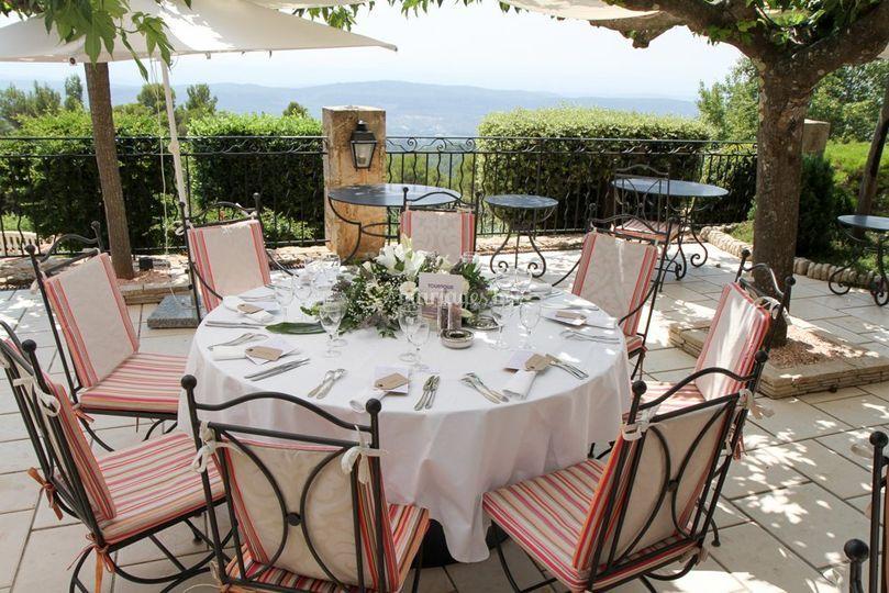 table mariage sur la bastide de tourtour - Bastide Mariage Var