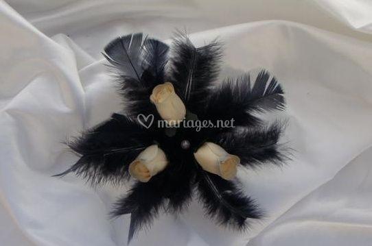 Centre de table plumes noires