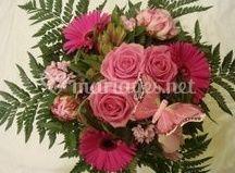 Bouquet rond roses et gerberas roses