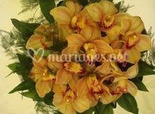 Bouquet rond fleurons d'orchidées