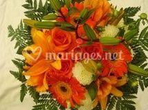 Bouquet rond rouge orangé