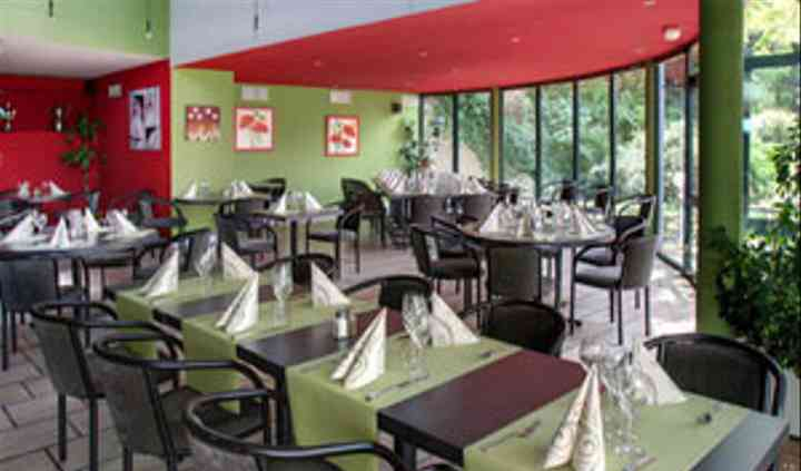 Salle de restaurant intérieure