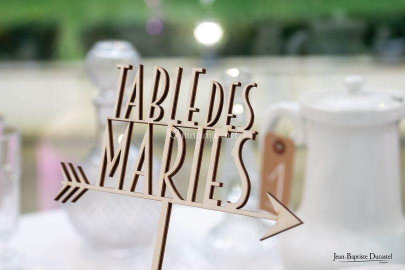 Marque place ou table en bois