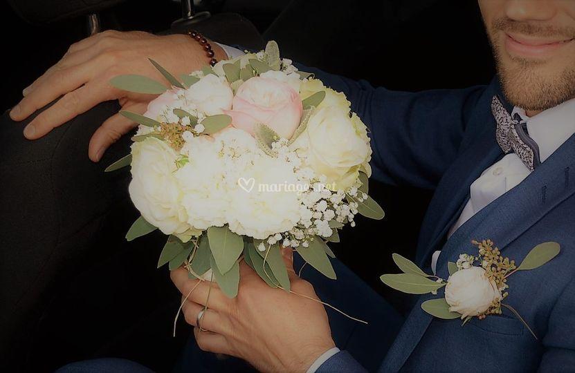 Boutonniere & bouquet assortis