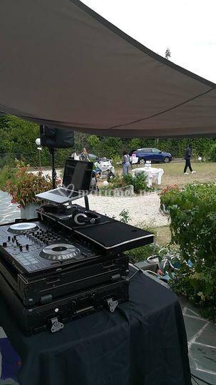 Un DJ dans votre jardin