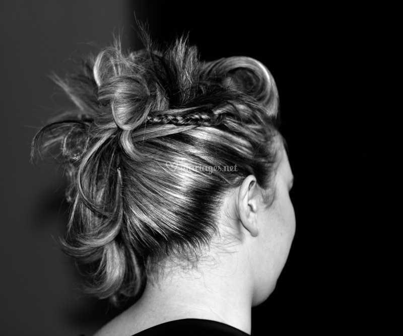 Chignon Cheveux Mi Longs De Pepper Head Coiffure Photo 1