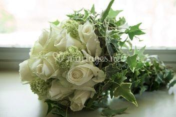 Bouquet de mariée roses blanches