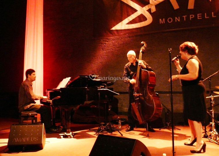 L jazz trio
