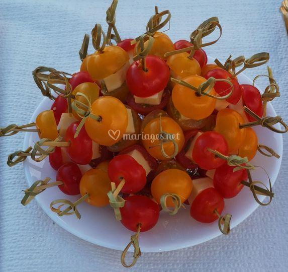 Brochettes tomates/comté