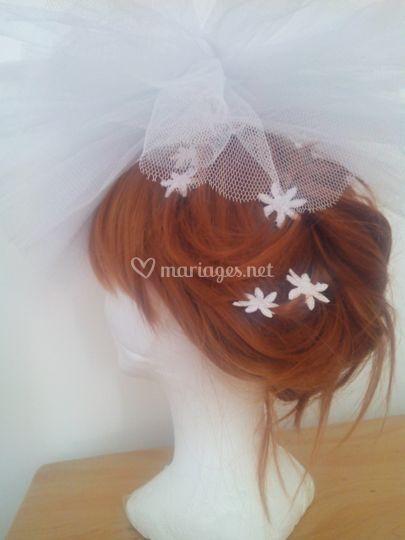 Bijoux de cheveux. Fleur