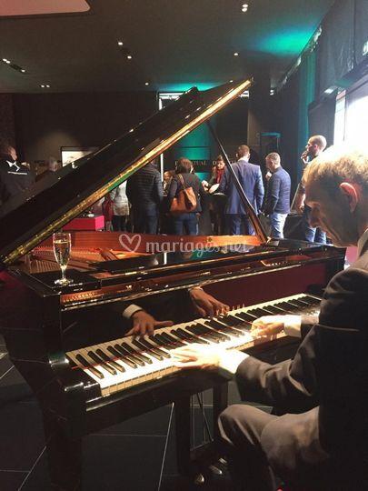 Cocktail Jazz piano