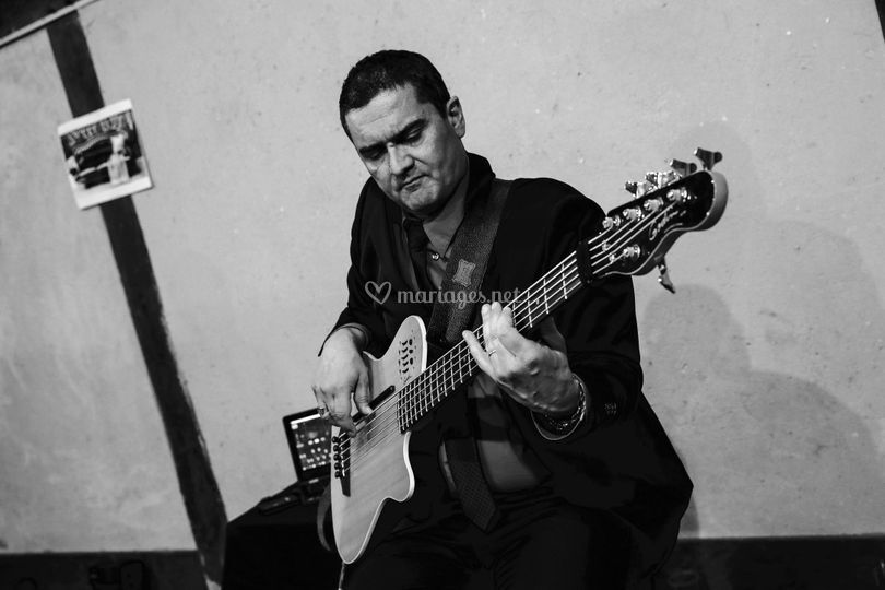 Bruno Pasquet (basse)