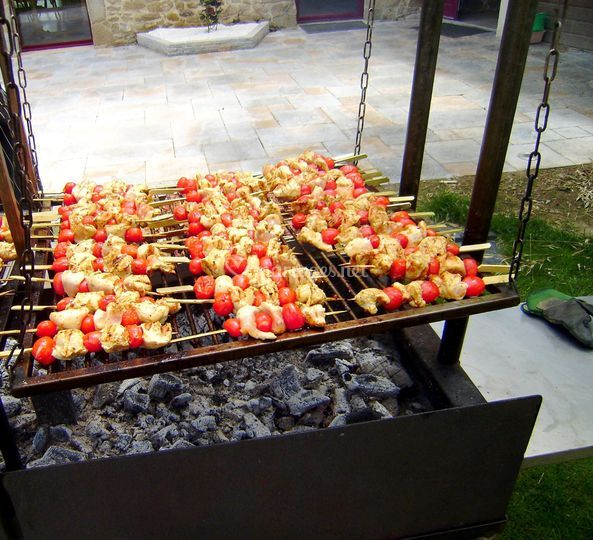 Buffet : cuisson au feu de bois