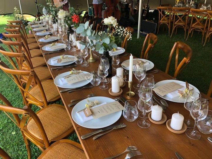 Tables et chaises bois