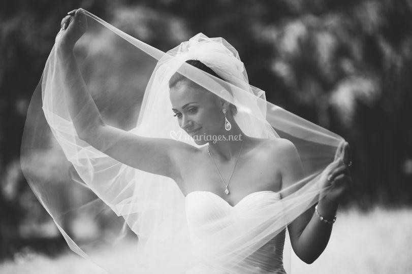 Emmanuelle en noir et blanc