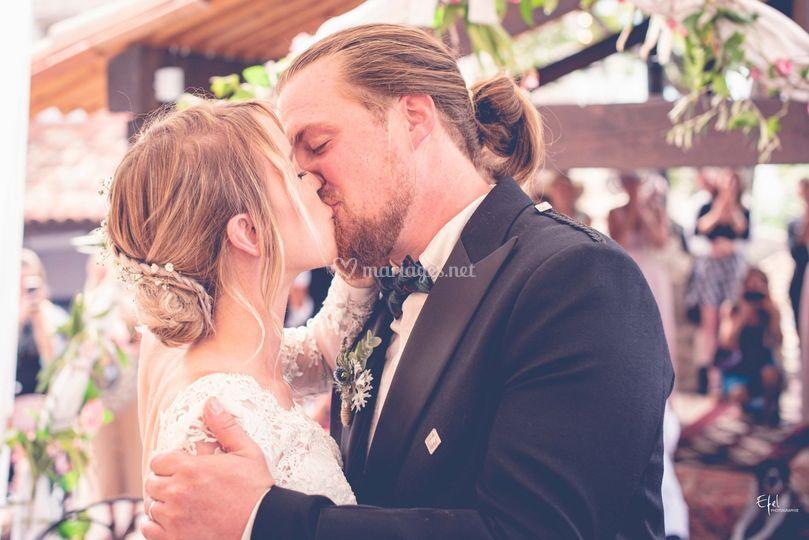 Un baiser romantique