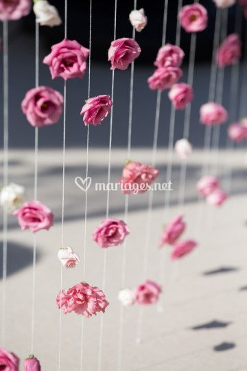 Rideau de fleurs cérémonie