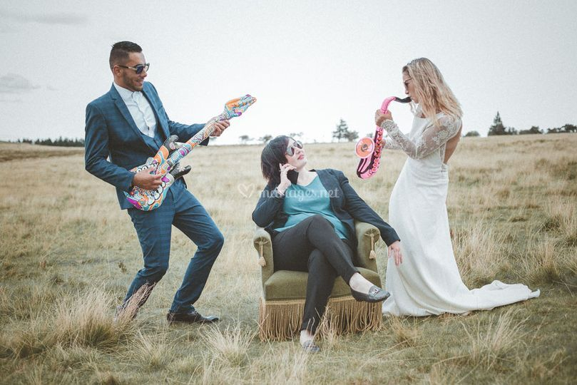Les mariés s'amusent