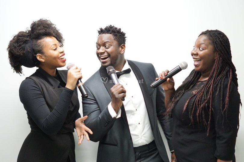 Trio love in Music