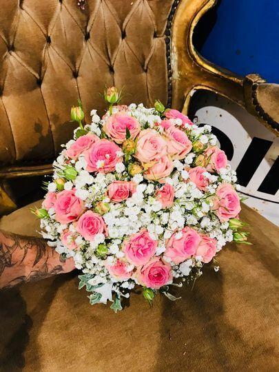 Boule de Roses et Gypsophile