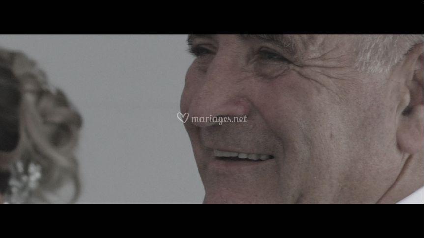 Screen vidéo papa de christ