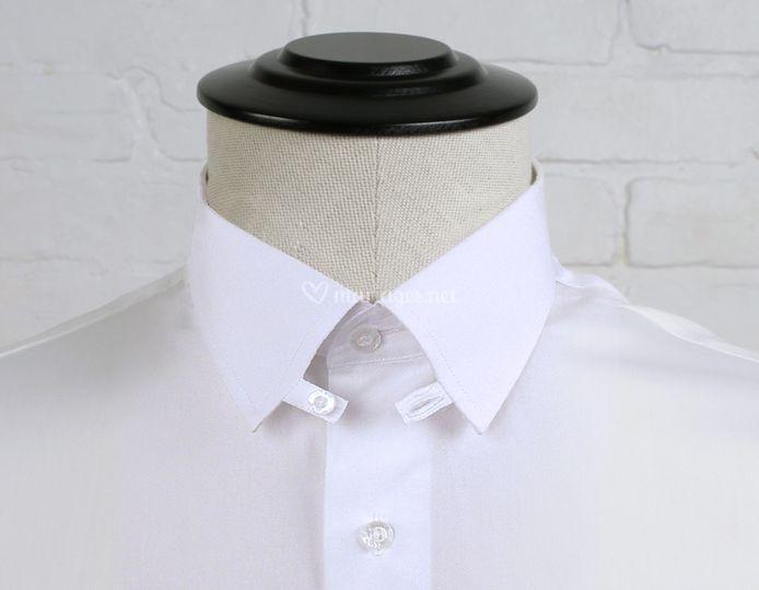 Chemise tab collar