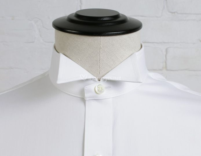 Wing collar
