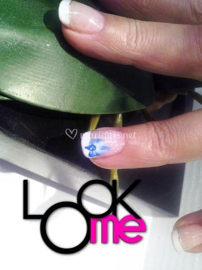 Ongle gel orchidée bleue