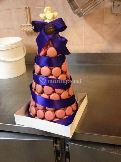Cône de macarons rose/violet