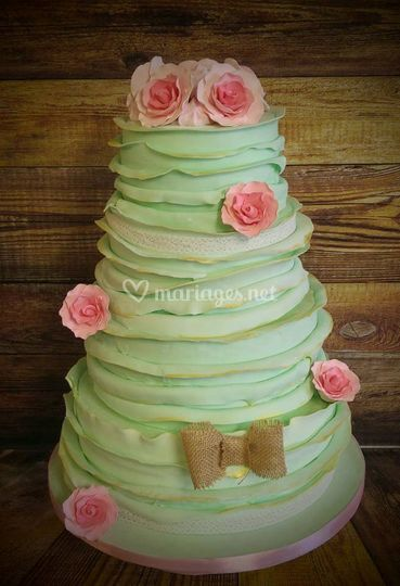 Wedding cake shabby