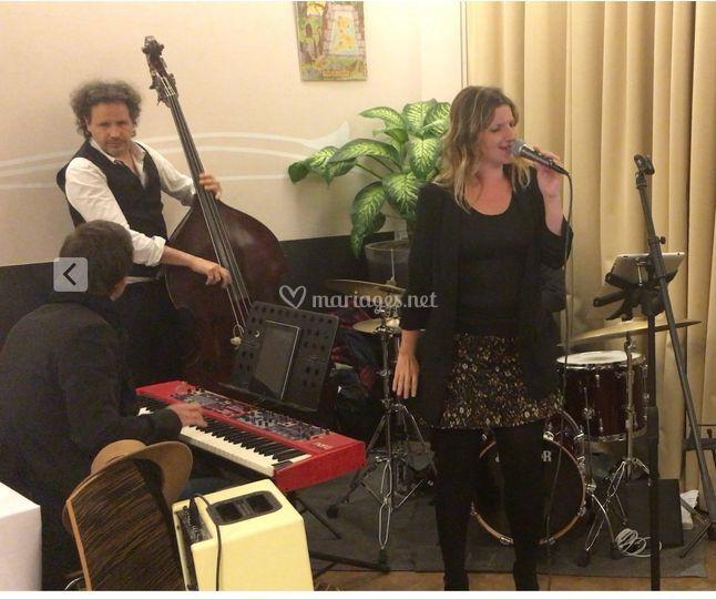Trio jazz pop