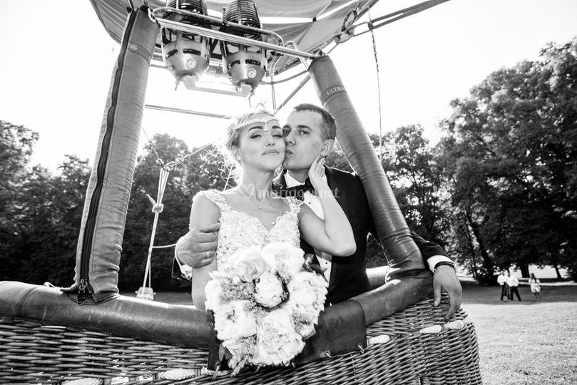 Mariés en montgolfière