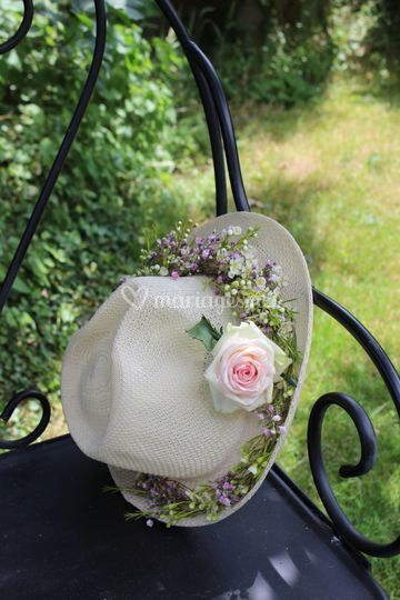 Chapeau fleuri