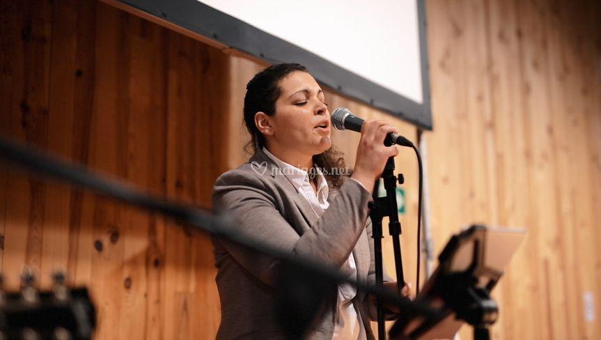 Sab chante Edith Piaf