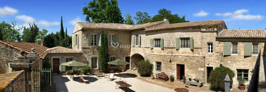 Mas des comtes de provence for Photo de mas provencal