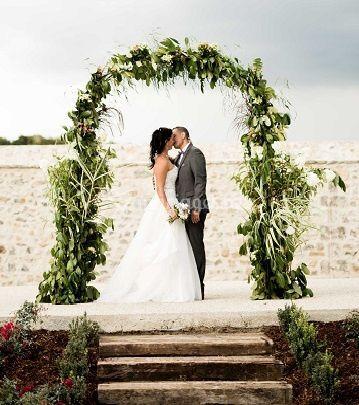 Mariés sous l'arche