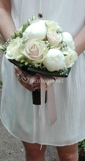 Bouquet rond de pivoines