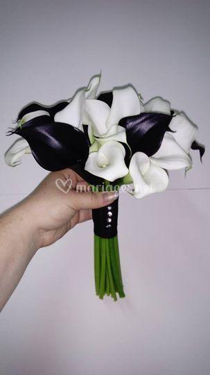 Bouquet callas noirs et blancs
