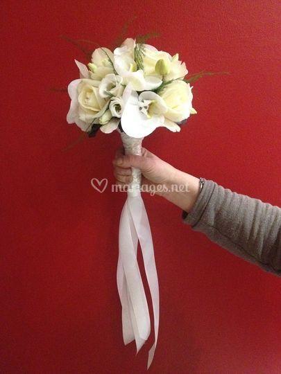 Bouquet phala roses lisianthus