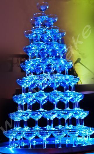 Fontaine de champagne bleue