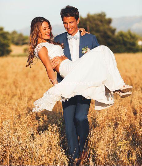 Des mariés heureux au Moulin