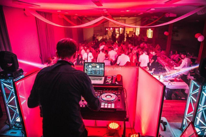 DJ - ToutEnArt