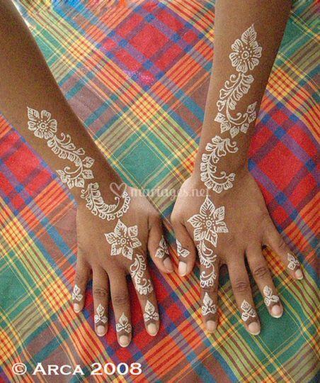 Tatouage paillettes poudre de diamant