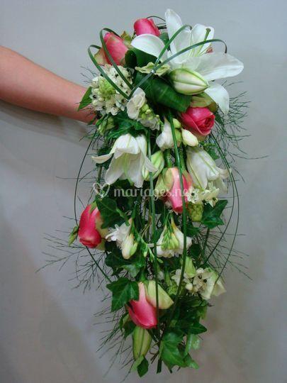 Bouquet de Mariée Cascade rose et blanc