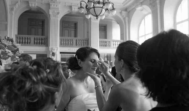 Mariée toute émue à la mairie